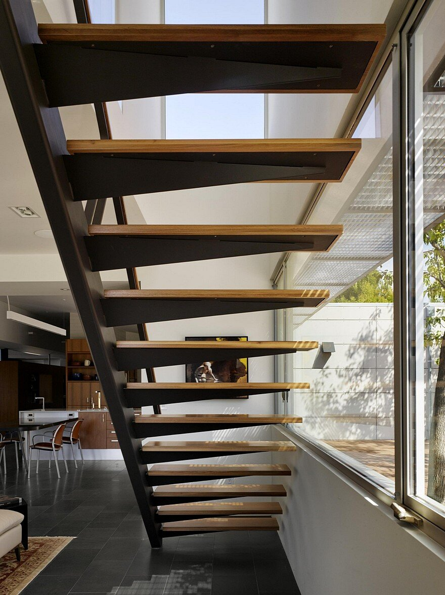 this los gatos modern home has shou sugi ban style exteriors. Black Bedroom Furniture Sets. Home Design Ideas