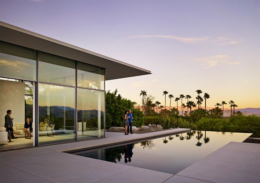 This Palm Springs House is Open to Expansive Mountain and Valley Panoramas