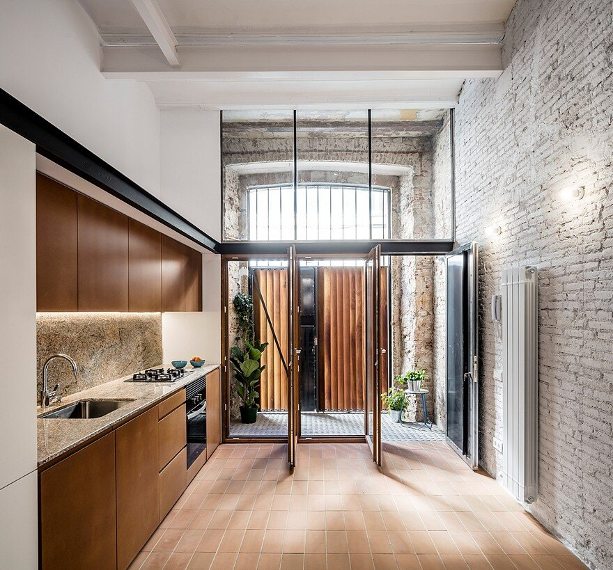 Modern Apartments Barcelona: Traditional Style House Transformed Into A Modern Home In