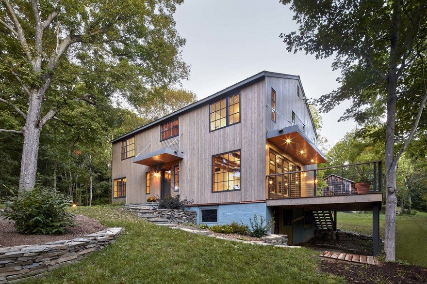 1830 farmhouse transformed into a rustic modern retreat in Modern house architect new york