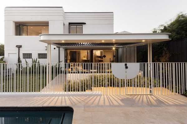 Art Deco House Transformed into a Spacious Modern Australian Home