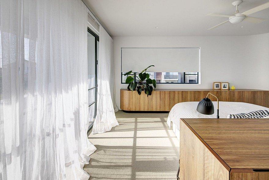 Art Deco House Transformed Into A Spacious Modern