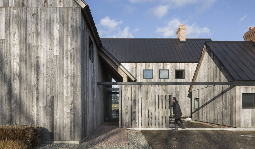 This Barn-Inspired Home Expresses Typical Farmhouse Elements in New Ways