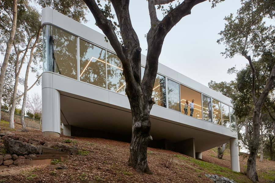 Cupertino Residence is a Single-Story House with a Rooftop Entrance