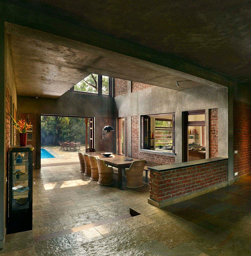 Indian Brick House With An Architectural Design Influenced Casa Design