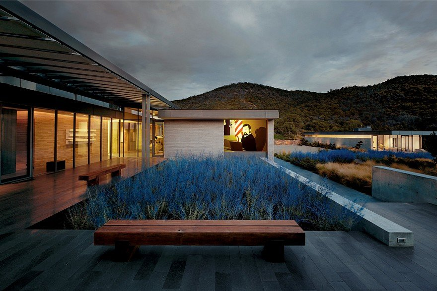 Santa Fe House Designed for Living with a Contemporary Art Collection