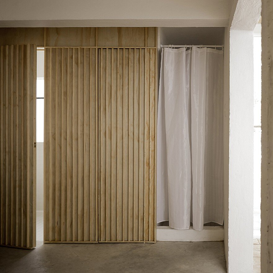 Small Studio Apartment Designed By The Mexican Studio Palma On The Roof Of A