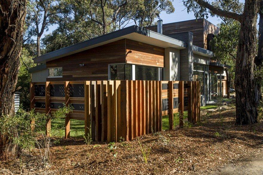Aireys inlet beach bush house on victoria s south coast for Beach house designs victoria