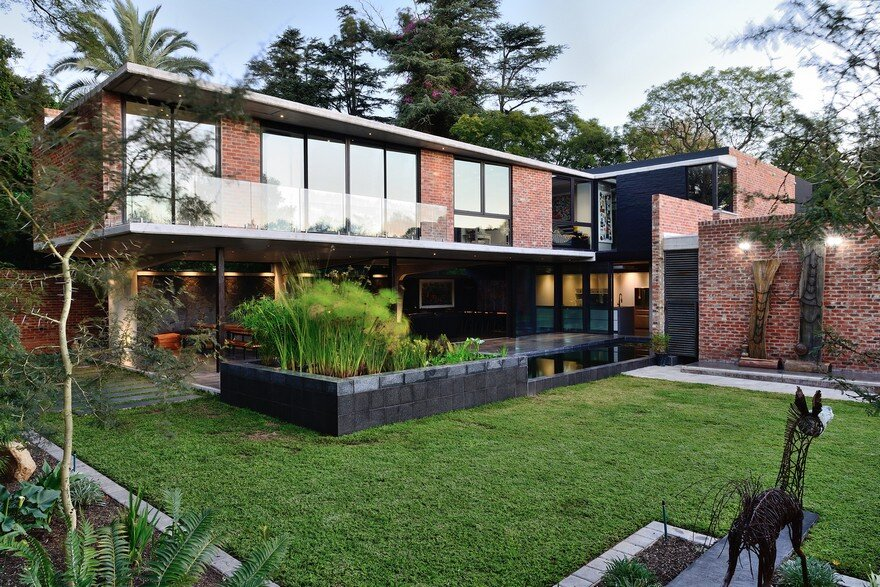 Open Eclectic Home Features Mix of Colors and Styles