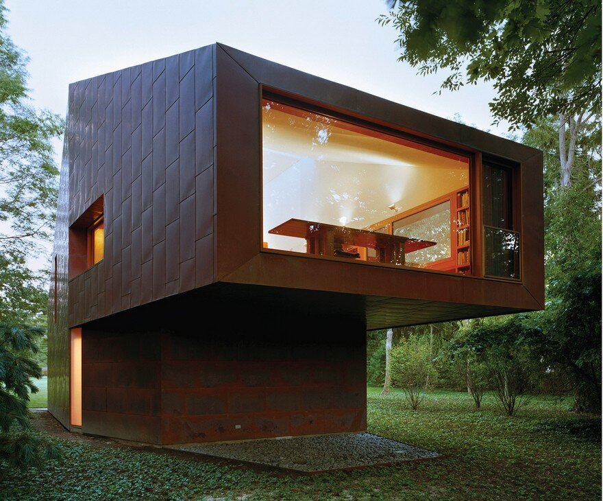 This Copper-Clad Writer's Studio Changes Color in the Shifting Light of the Day