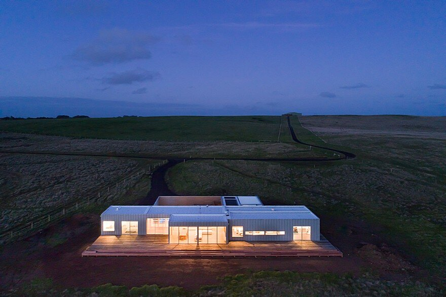 Phillip Island House Is An Architectural Solution For An