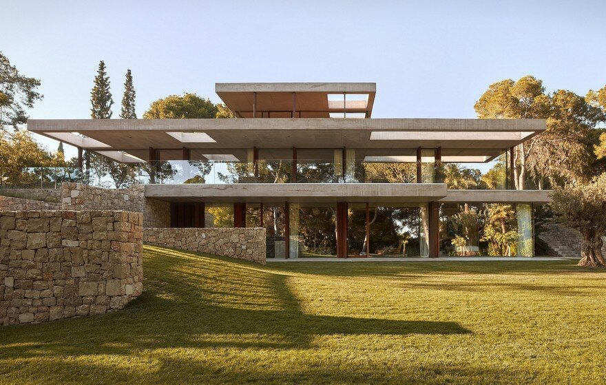 Pine Forest House by Ramon Esteve Studio
