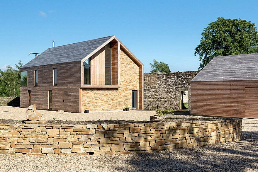 Rural barn style house by mawsonkerr architects for Barn type homes