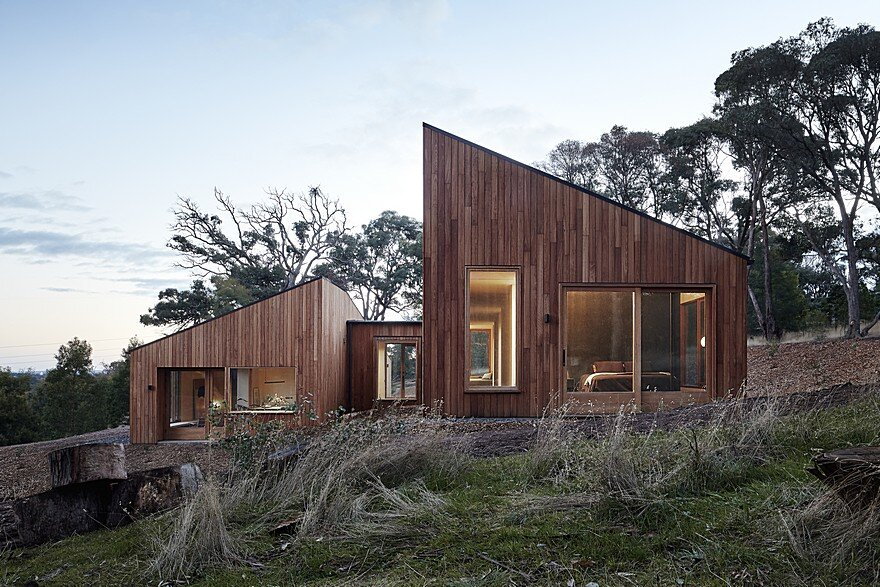 Two Halves House by Moloney Architects