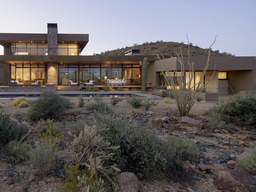 Winter Retreat Located in the Arid Desert of Scottsdale, Arizona