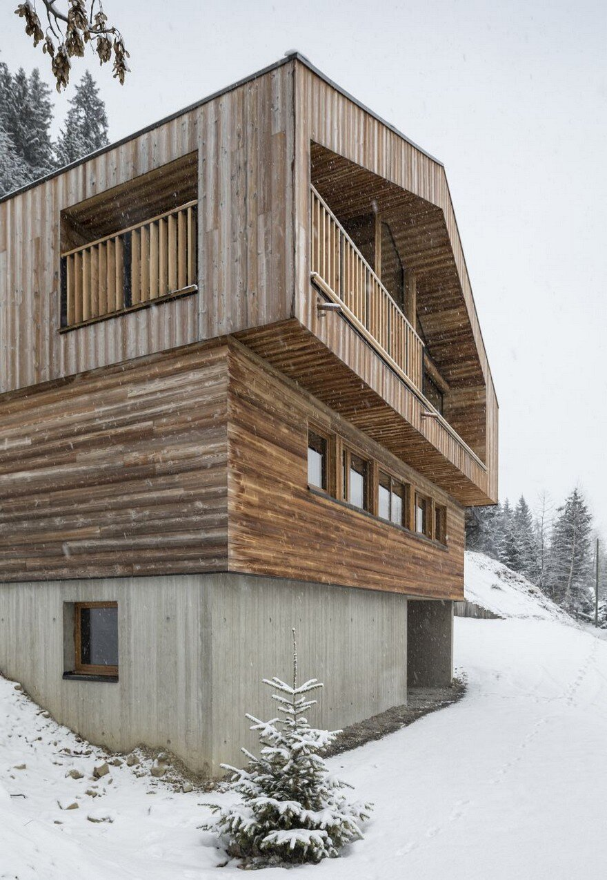 Mountain Architects Hendricks: This Wooden Mountain House Features Delightful Mix Of