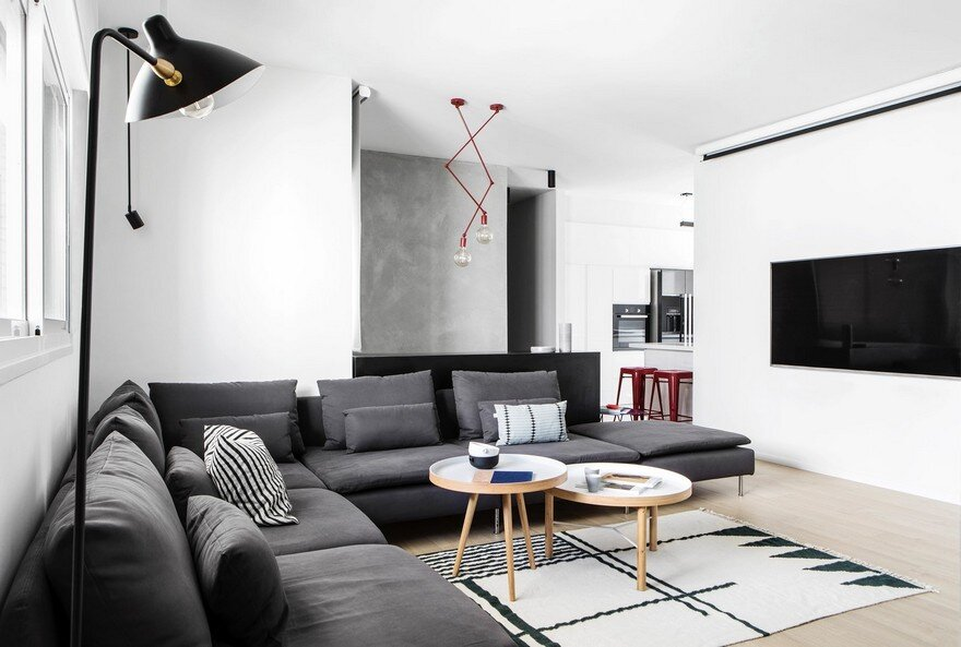 240 sqm Duplex Apartment Transformed into a Contemporary
