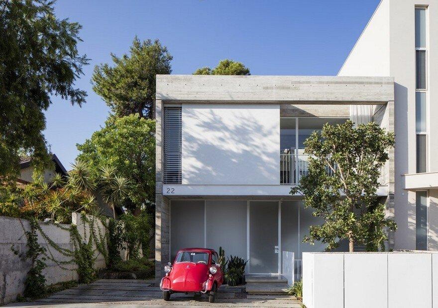 Suspended Patio House by 3322 Studio / Tel Aviv