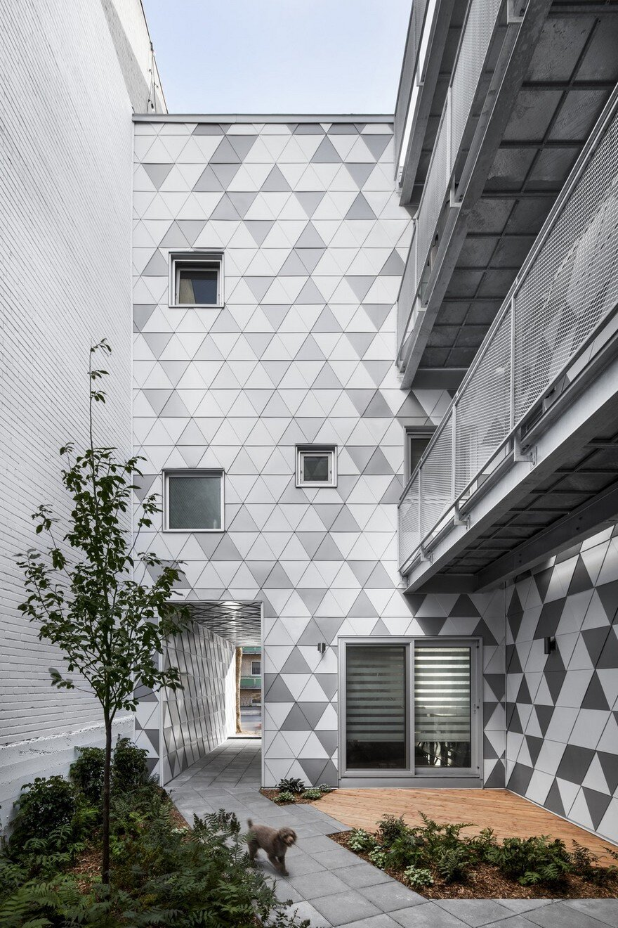 Contemporary residential building of five housing units for Contemporary residential buildings