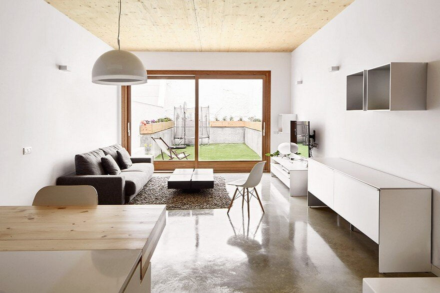 Energy-Efficient Home Built Between Two Dividing Walls in Terrassa, Barcelona