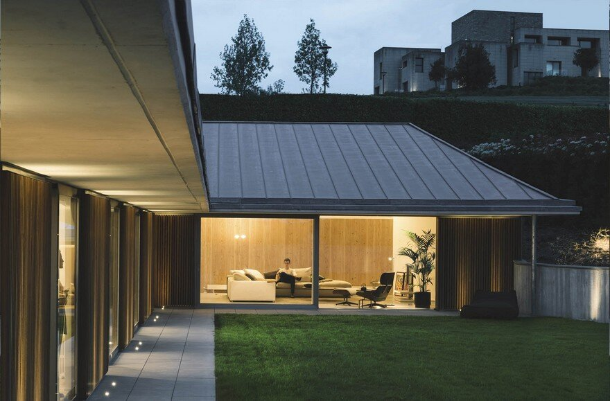 Introverted House – Isolation and Privacy are the Ingredients of this Residential Project