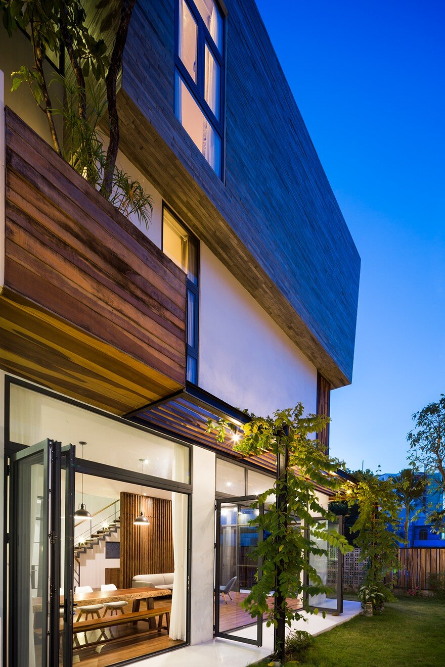 Modern Vertical Home Adapted To A Tropical Environment In Nha Trang