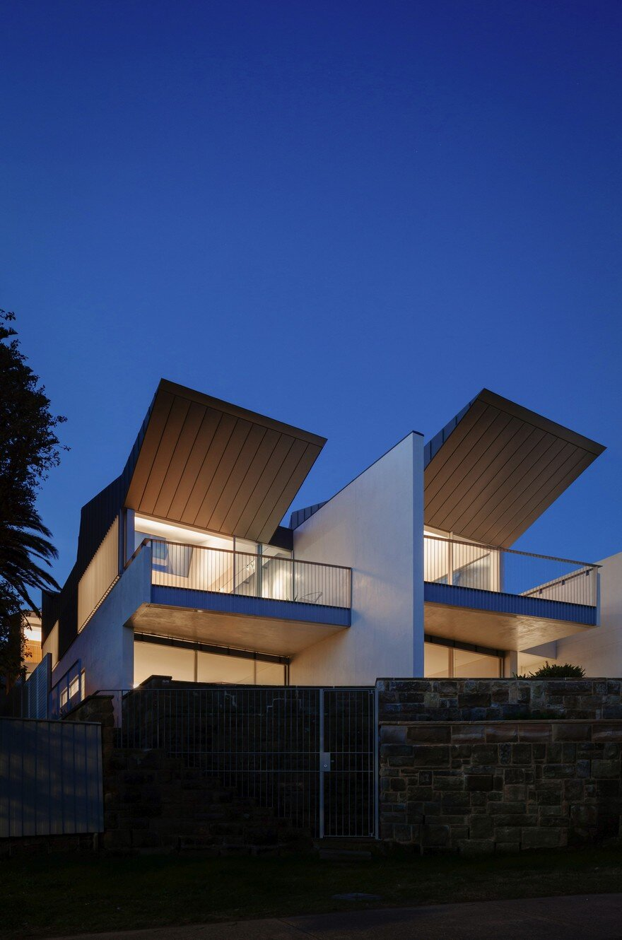 Narrow beach house in sydney by marston architects for Narrow beach house