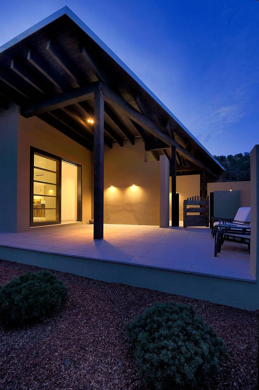 Santa fe contemporary home designed to showcase an art - What is a contemporary home ...