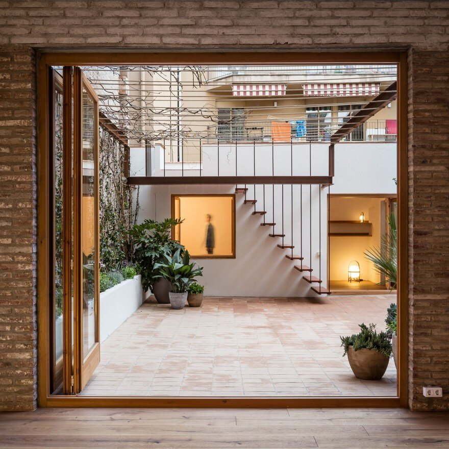 Xx Century Patio Apartment Refurbished And Adapted To