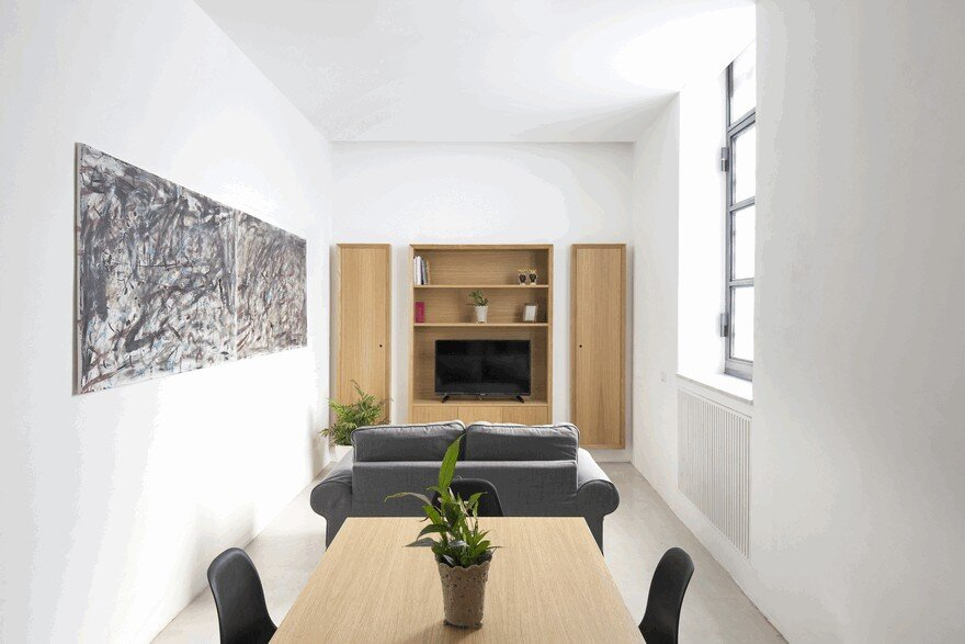 Minimalist Vertical Loft In Palermo With Clever Space