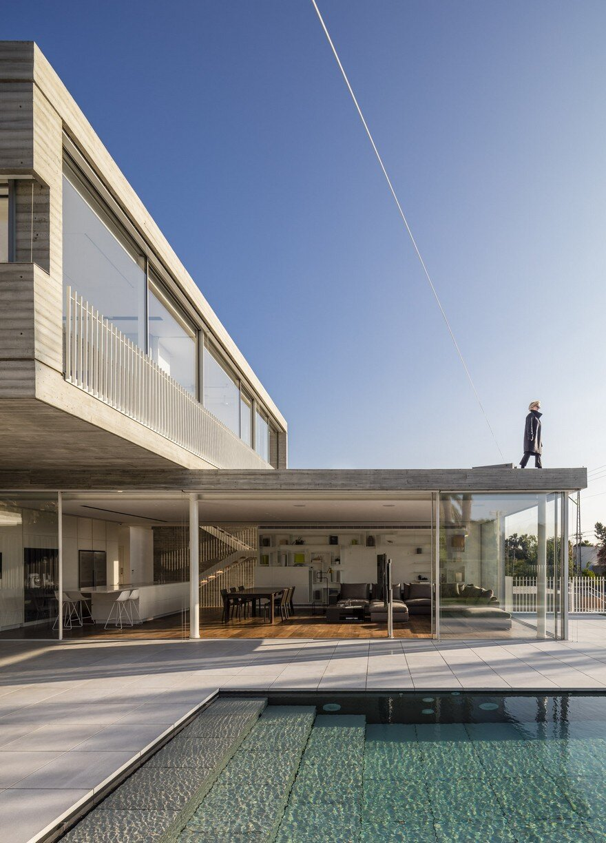 Modern Duplex House Features a Minimalist and Balanced Architecture