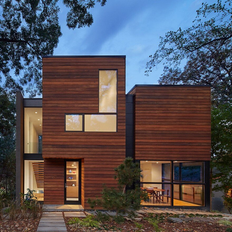 Modern House Design On Small Site Witin A Tight Budget: Modern Home Design In Virginia Showcasing Elegance And Warmth