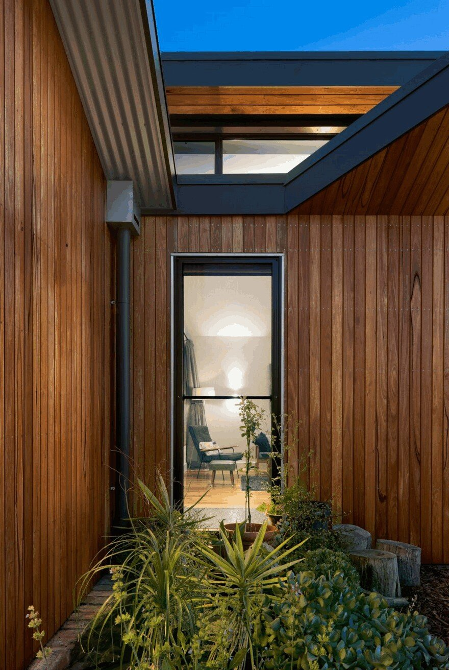 Remarkable Passive Solar Home Balances Indoor And Outdoor
