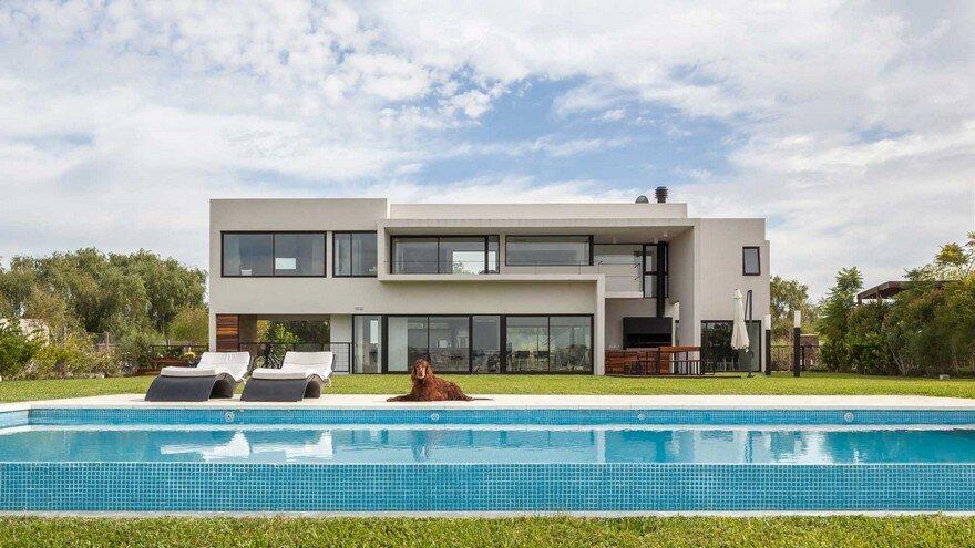 San Benito House by Besonias Almeida Arquitectos