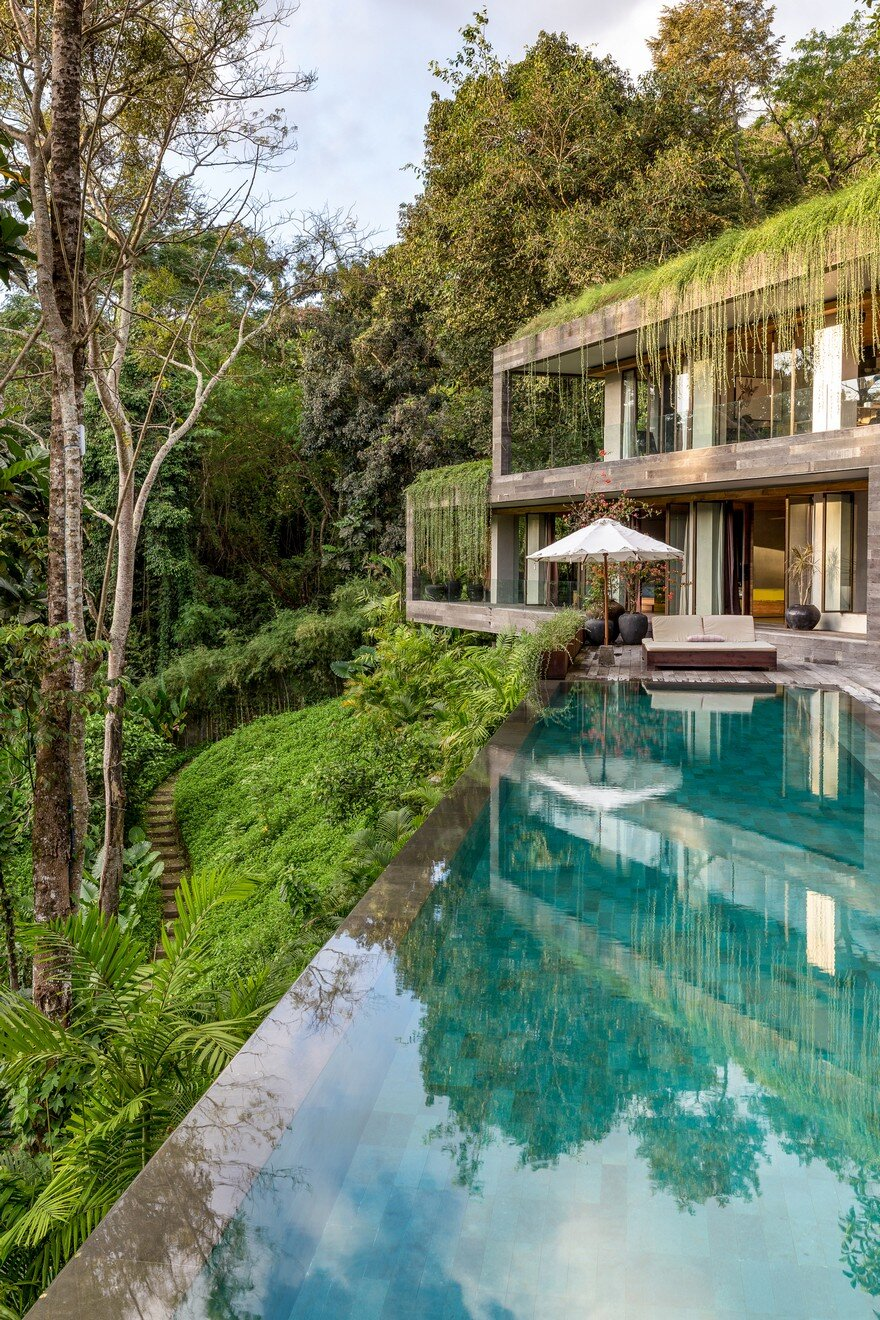 Villa Chameleon Features Breathtaking Views In The