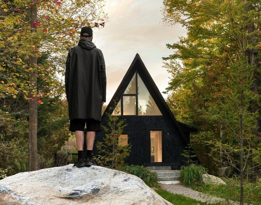 A-Frame Cottage by Jean Verville Architecte