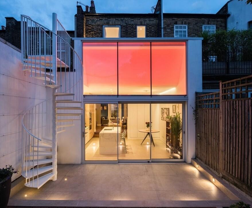 De Beauvoir Residence by Neil Dusheiko Architects