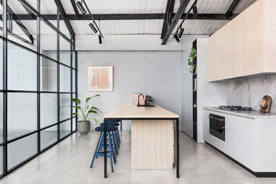 Modern Warehouse Conversion in Melbourne / Biasol