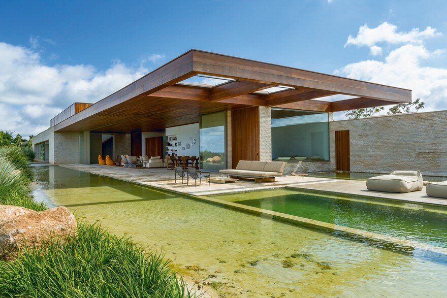 Modern Summerhouse Near Sao Paulo by