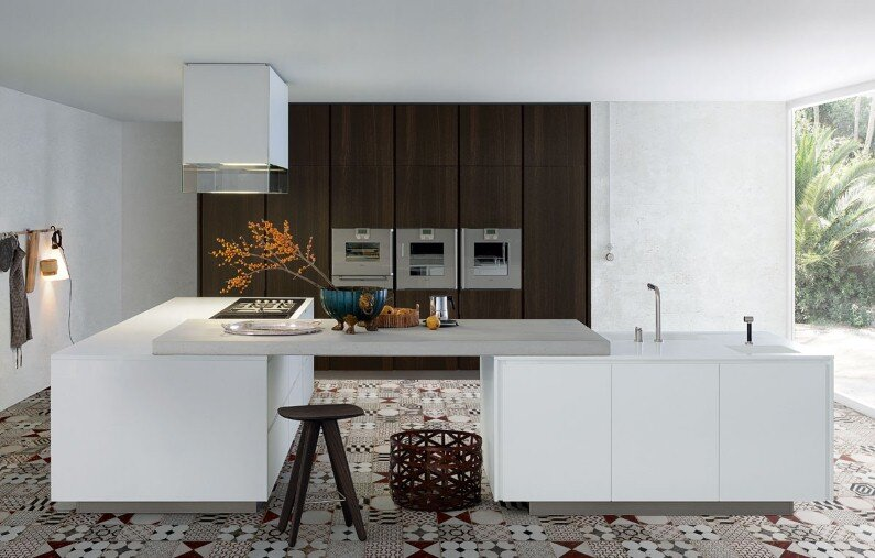 Spacious kitchens with modern design from Poliform