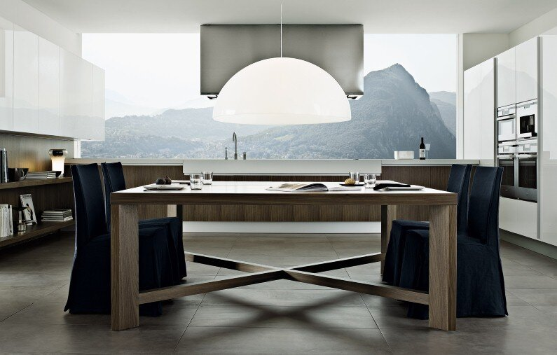 Varenna Kitchens, Bright and spacious kitchens with modern design from Poliform