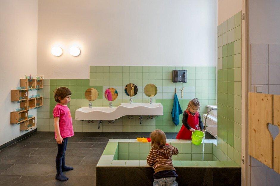 Playground and kindergarten, by Baukind (13)