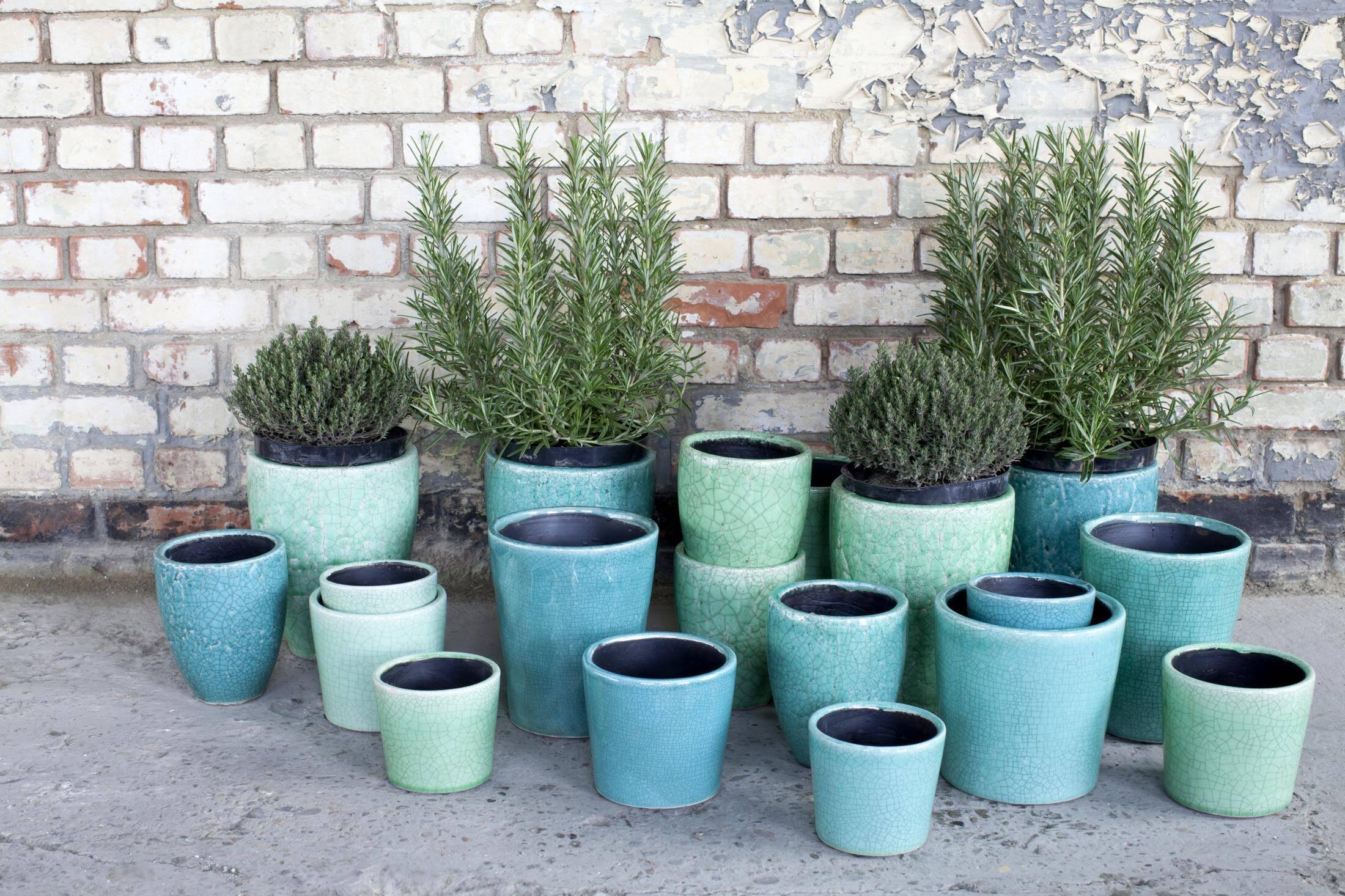 Serax - Flower pots can transform any garden or interior (1)
