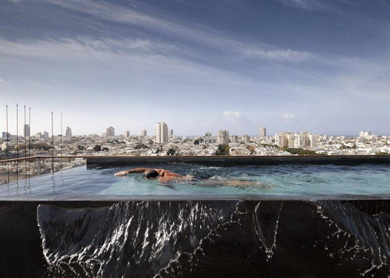 Tel Aviv Penthouse with Unconventional Design and Transparent Walls