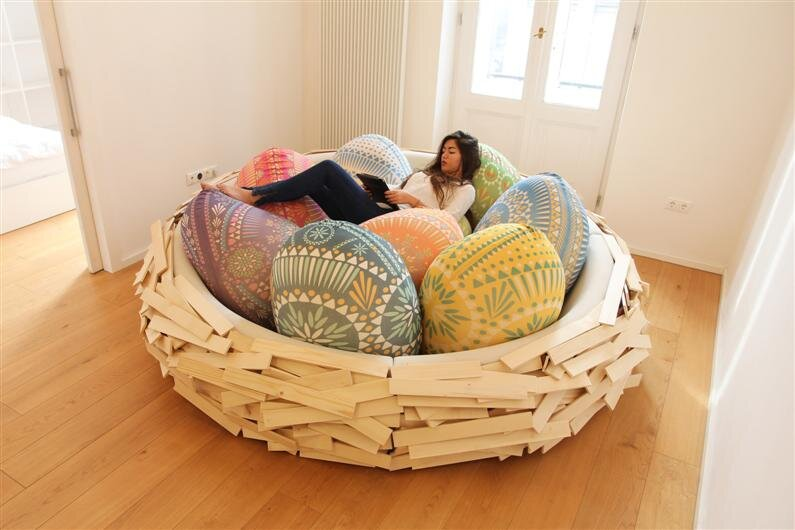 Giant Birdsnest for Creating new ideas / OGE Creative Group