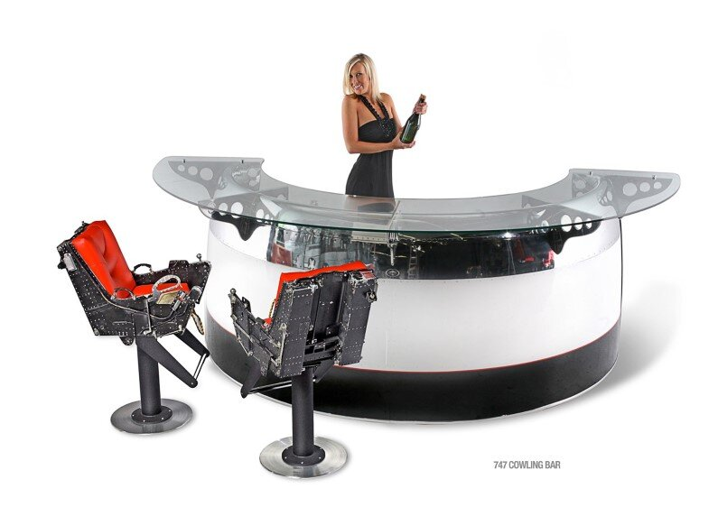 MotoArt : Futuristic furniture from retired airplanes. A piece of aviation history