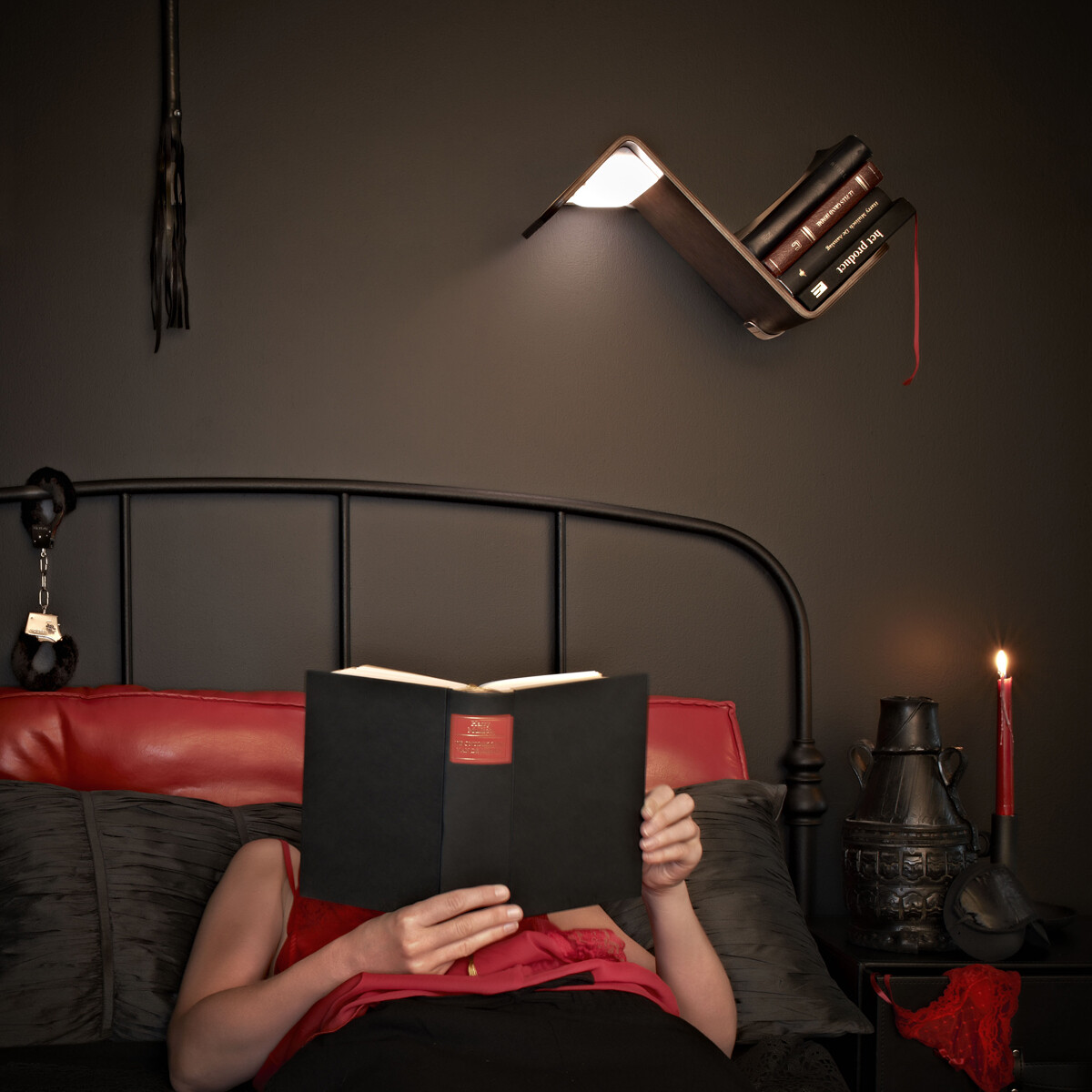 LiliLite takes care of you in the evening when you read in bed!