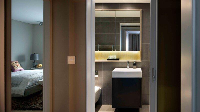 Renovating a three-bedroom apartment in London - HomeWorldDesign (11) (Custom)