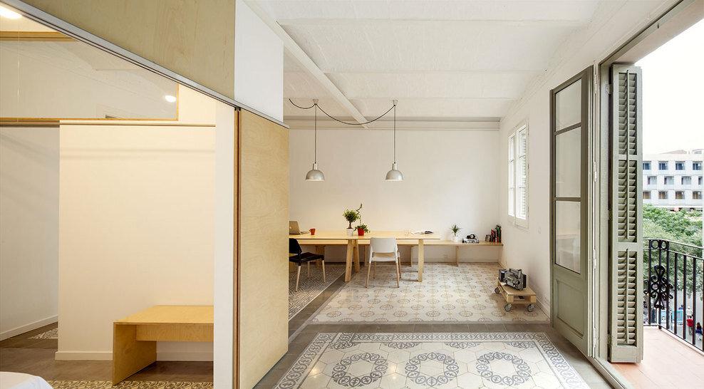 Apartment Eixample renovated by the Spanish architect Adrian Elizalde - HomeWorldDesign (2)
