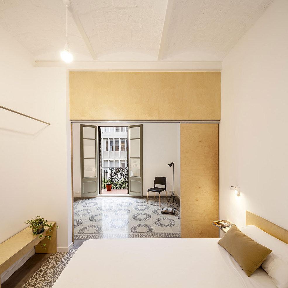 bedroom, Spanish architect Adrian Elizalde - HomeWorldDesign (4)